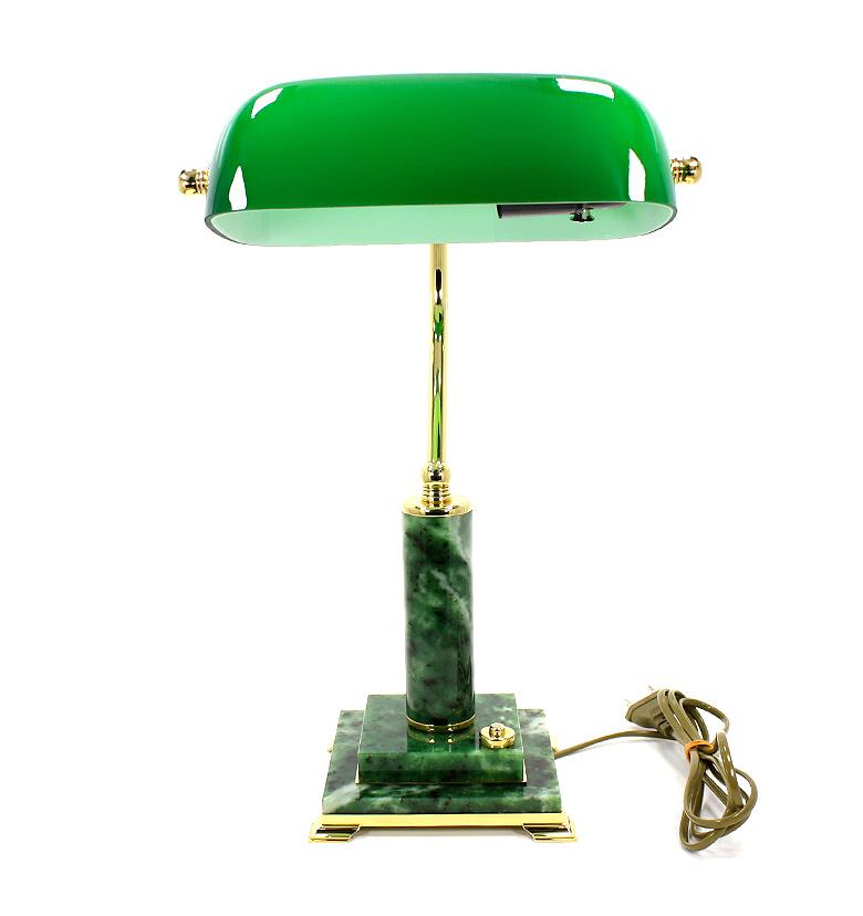 Лампа настольная на нефрите